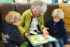 Read together_Get your children to read and understand
